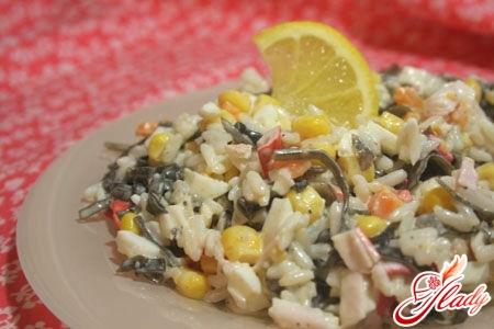 салат из морской капусты с яйцом рецепт