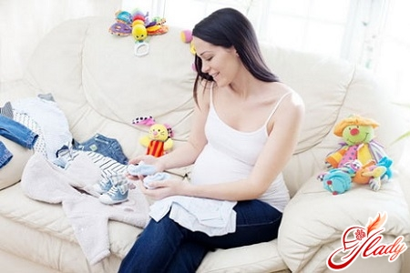 Особенности выбора одежды для новорожденных
