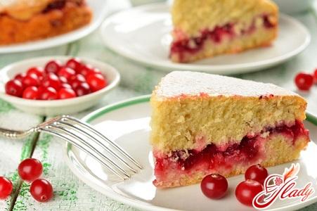 """Пирог с брусникой: """"не по-детски"""" вкусный десерт"""