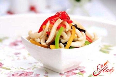 салат из кальмаров с рисом рецепт