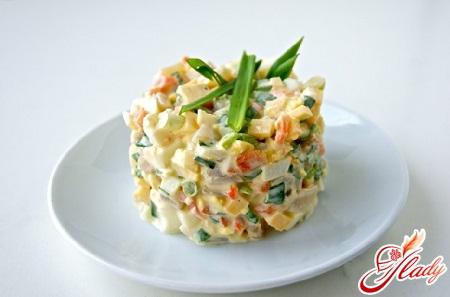 Салат из кальмаров с кукурузой калорийность