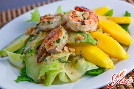 салат из манго и креветок