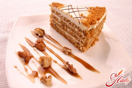 торт медовик со сметанным кремом рецепт