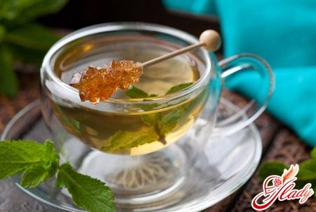 зеленый чай понижает или повышает давление