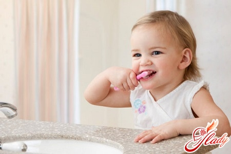 как научить ребенка чистить зубы быстро