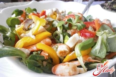 салат с копченым кальмаром рецепт