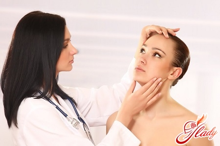 как удалить жировик на лице