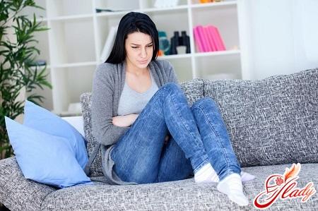 боли внизу живота при беременности на ранних сроках