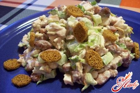 салат с фасолью и кириешками рецепт