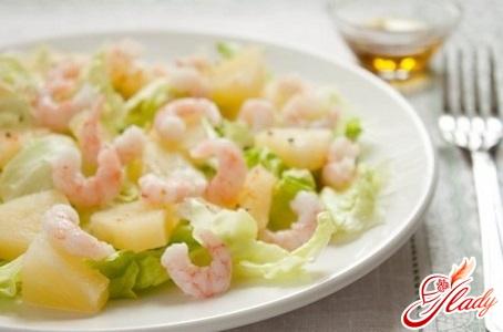 вкусный салат с кальмарами и ананасами