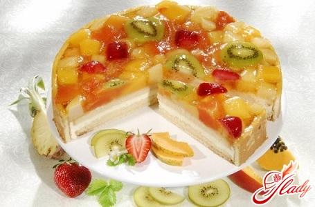 Желейно бисквитный торт с фруктами