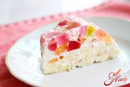 торт желейный с печеньем