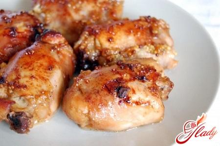запечь курицу в фольге в духовке