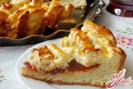 вкусный пирог с яблочным повидлом