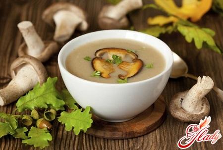 Необыкновенный сырный суп: готовим благоуханное 1-ое блюдо с грибами