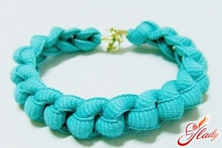 Плетение браслетов из ленточек