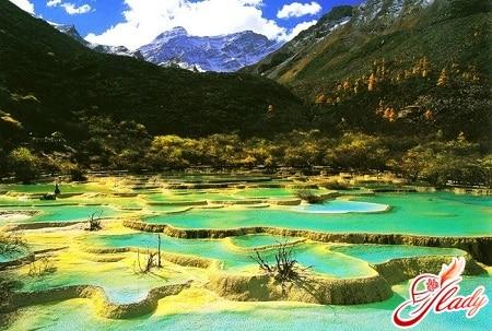 живописная местность хуанлун