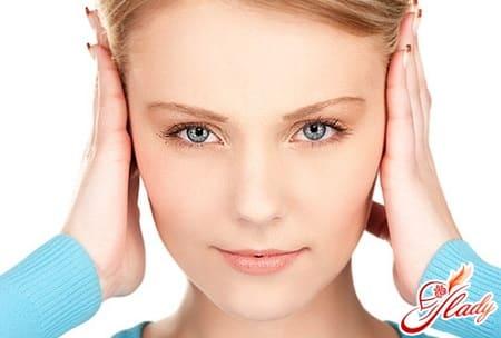 причины появления фурункул в ухе