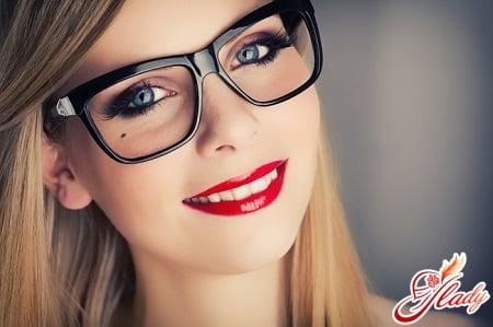 Как правильно подобрать очки по типу лица и цвету волос  d987f4fd0da
