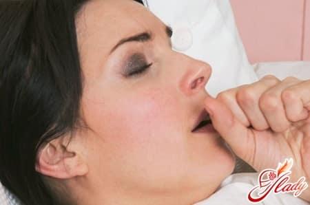 Приступ астмы: признаки удушья, первая помощь