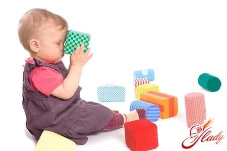 игрушки для ребенка в 9 месяцев