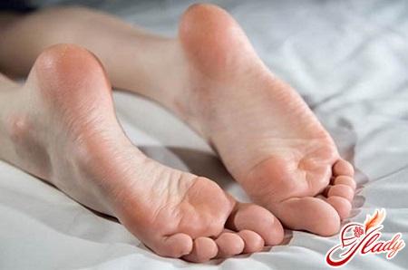 свежие мозоли на ногах лечение