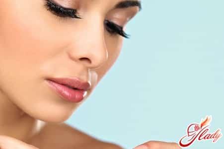 причины появления запаха из носа