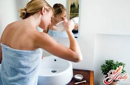 лечение запаха из носа промыванием травяным раствором