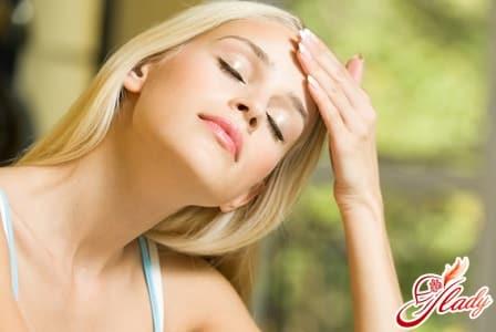 причины появления жировика на голове