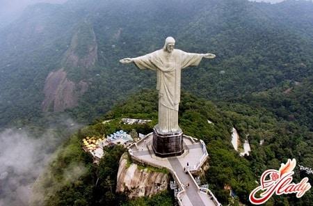 cтатуя христа спасителя