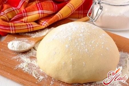 дрожжевое тесто с добавлением кефира