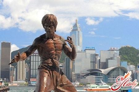 статуя брюса ли на аллее звезд