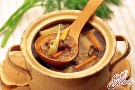 гречневый суп в горшочках