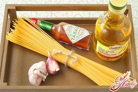 ингредиенты для приготовления спагетти с соусом
