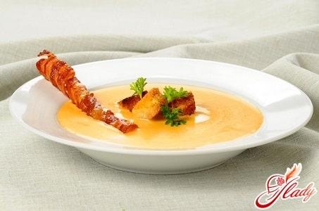 сырный крем суп с тостиками