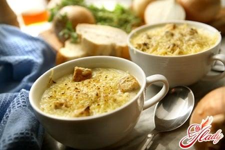 разные рецепты лукового супа
