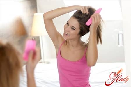 расчесывать волосы стоит только после сушки