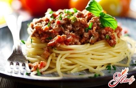 классический спагетти болоньезе