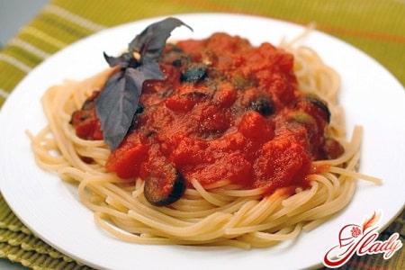 спагетти с соусом по итальянски