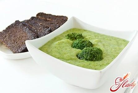 рецепт крем супа из брокколи с гренками