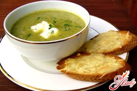 суп в мультиварке с гренками
