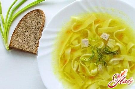 разные рецепты куриного супа с домашней лапшой