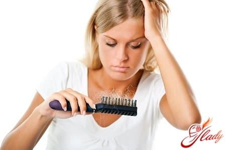 распространенные причины выпадения волос