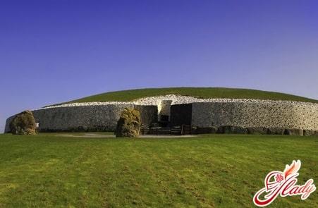 Ньюгрейндж - международный археологический памятник