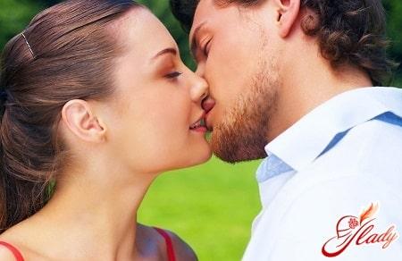 легкий французский поцелуй