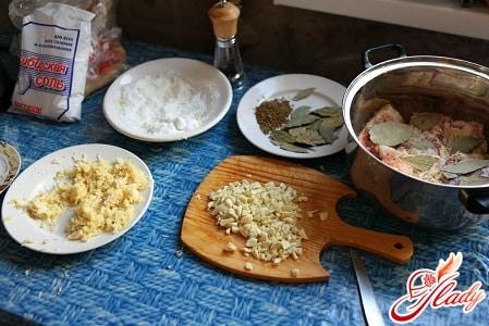 ингредиенты для приготовления соленого сала