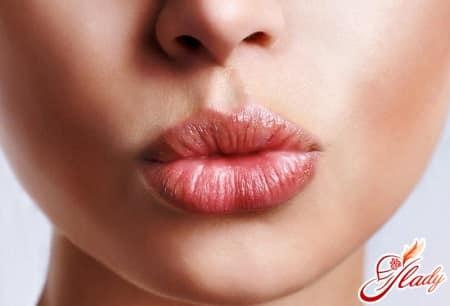 упраженение свисток для увеличения губ