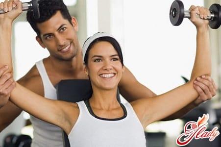 спортивный зал может послужить местом для знакомства