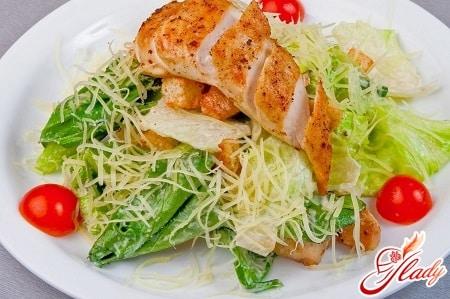 """Салат """"Цезарь"""": рецепт с курицей"""