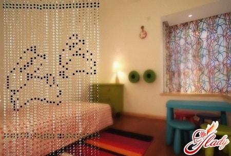 шторы из бусин для детской комнаты
